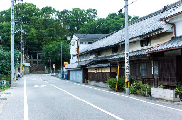 秋には、「仏生山大行列」で賑わう門前町