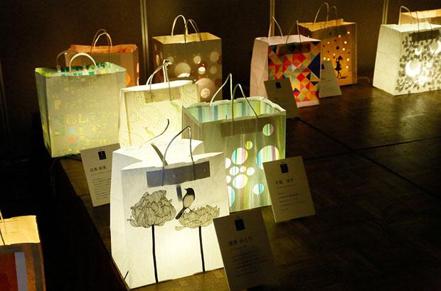 「第5回太郎吉蔵デザイン会議」で展示された、紙袋ランターン