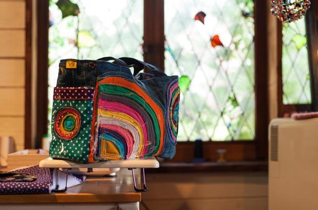 「tikitiki」のハンドバッグ