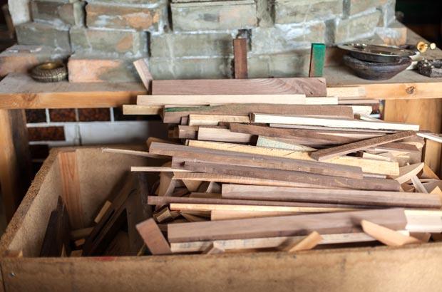 ピザ窯の薪に使う端材
