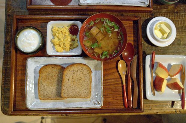 「お宿吉水」の朝食