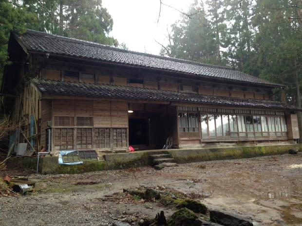 富山県上市町の山奥にたたずむ映画「おおかみこどもの雨と雪」のおうち|「colocal コロカル」ローカルを学ぶ・暮らす・旅する