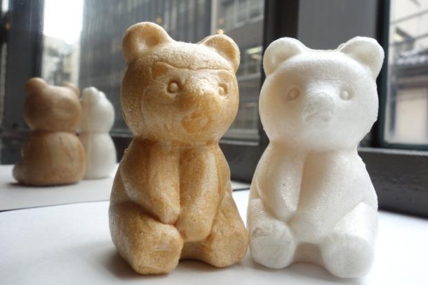 クマが出たぞ―!札幌・美好屋のリアルにかわいい「クマの形をした最中」|「colocal コロカル」ローカルを学ぶ・暮らす・旅する