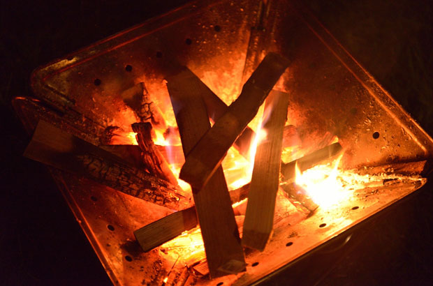 人気商品の「焚火台」