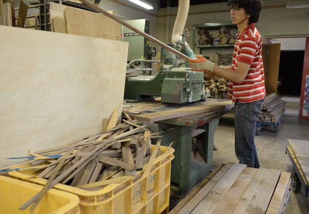 木取り作業