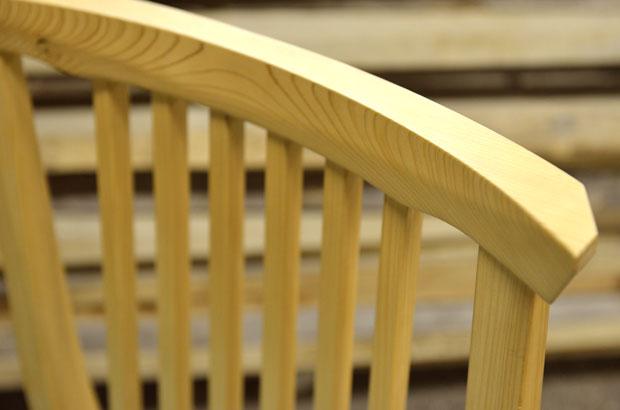 北欧家具のラインを日本固有の檜で実現