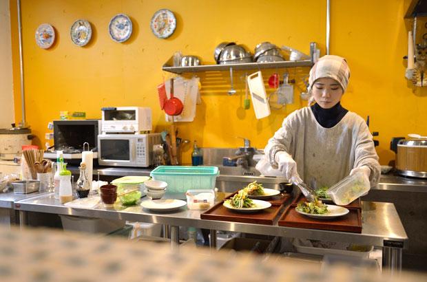 HACOBU KITCHENの調理風景