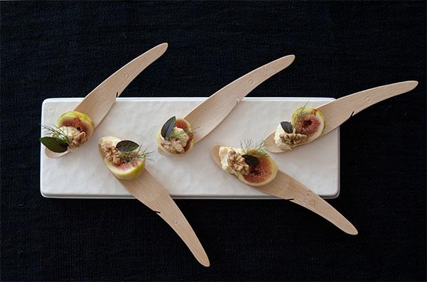 ピンチョススタイルで盛り付けられた料理