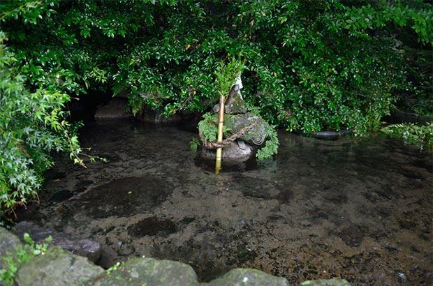 熱田神社の神水