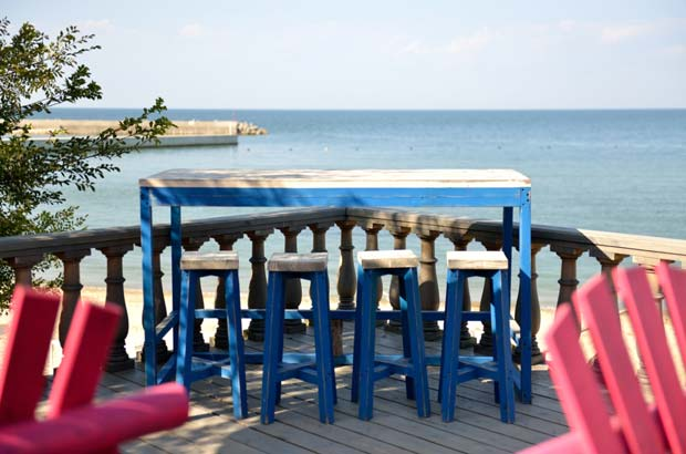 レストランバーからの海の眺め
