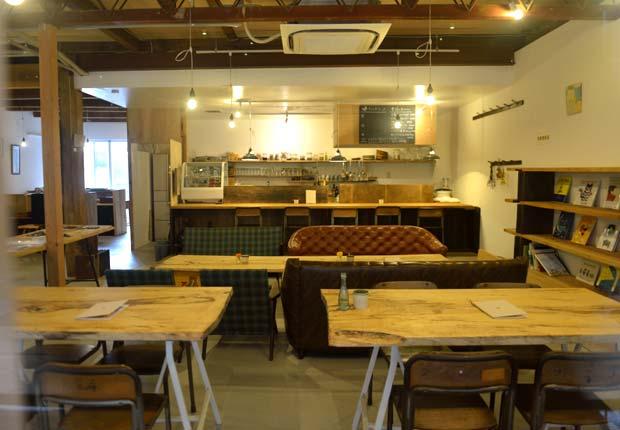 旬のものを使った料理やデザートが楽しめるカフェ