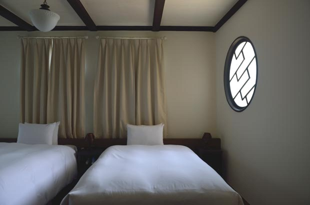 島居邸のベッドルーム