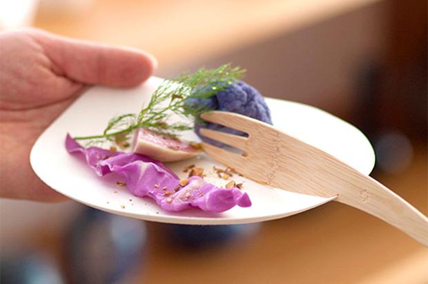 WASARAの皿とカトラリー