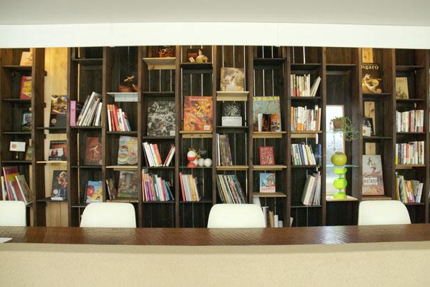 仏生山のまちが サーカスであふれる! まずは 「サーカス図書館」でお勉強。