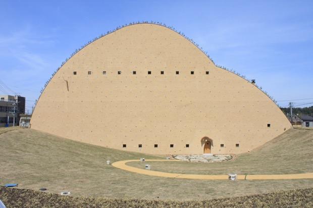 タイルのまち・多治見市笠原町に 〈多治見市モザイクタイル ミュージアム〉が開館。 独創的な建築デザインにも注目!