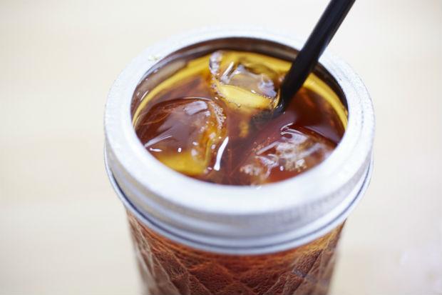 〈808 Coffee Stop〉の 絶品コーヒーを。 豆の状態を見極め、 個性を生かす一杯