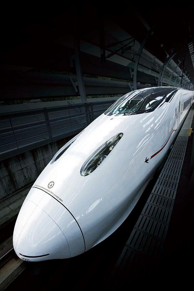 九州新幹線つばめ生みの親水戸岡鋭治が考える足し算のデザインとは