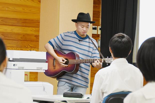 宮崎県小林市出身のNOBUさん