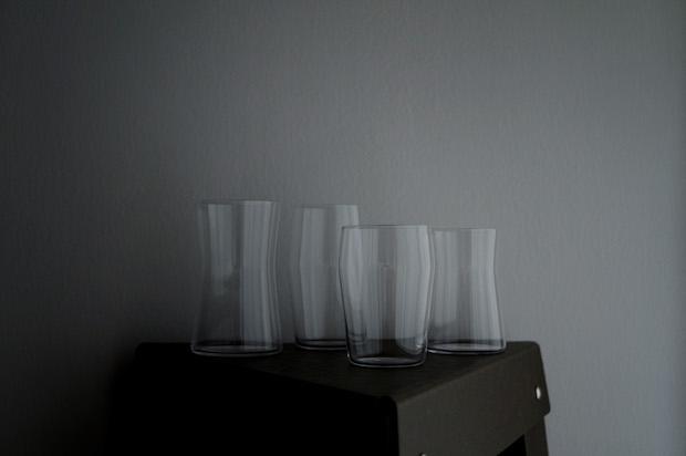越前市にある関坂漆器によるショップ〈ataW あたう〉のオリジナルグラス「寄り添うベアグラス」