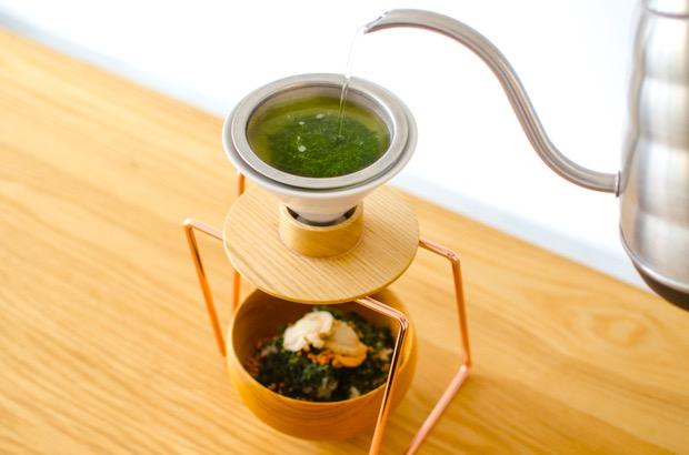 ハンドドリップした日本茶でお茶漬け