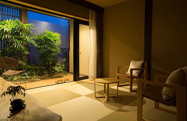 別邸薪の音 金澤は1日2組限定、1泊2食付で1名4万円から。