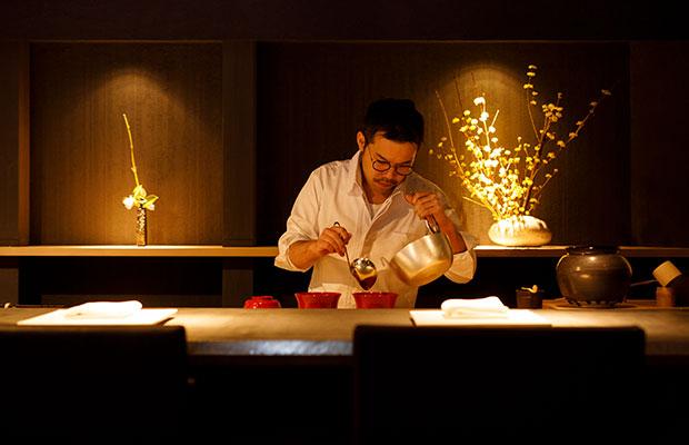 別邸薪の音 金澤の1階にある日本料理〈東山和今〉の料理長・今井友和さん。