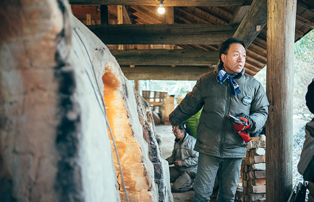 地域の陶芸家や販売店のオーナーなどが実行委員となりプロジェクトを推進している。