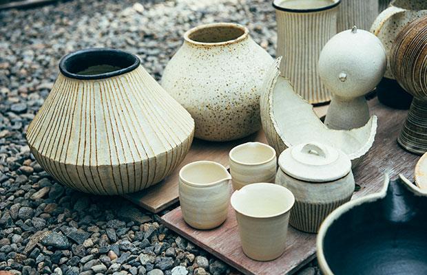笠間焼の人気作家・額賀章夫さんもプロジェクトに参加している。