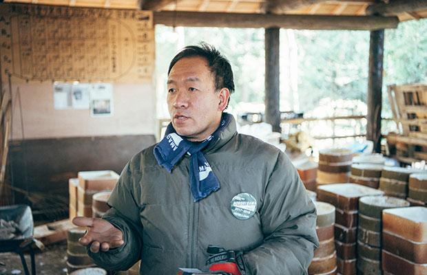 登り窯のリーダーを務めた大塚一弘さん。普段は益子の原土の研究なども行う伝統工芸士だ。