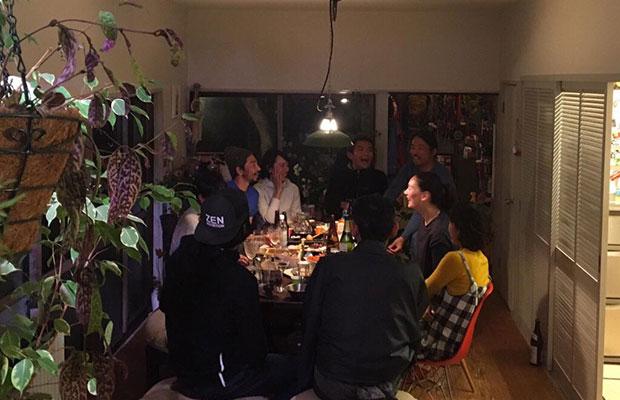 松島さんのご自宅では、友人らを招いてホームパーティをすることも多いという。(写真提供:松島倫明)