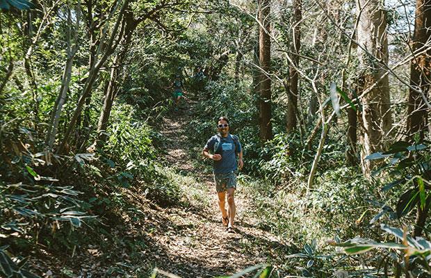 松島さんの自宅からは、およそ5分で最寄りの山に入ることができる。
