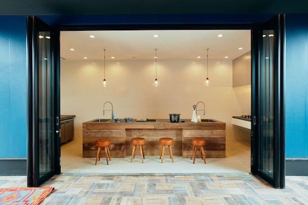 全長8メートルの豪華なキッチン