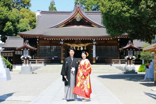 出水神社にて。このサービスは熊本市内の代表的な5つの神社と提携