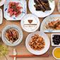 惣菜シリーズ〈近江 朝おかず〉赤こんにゃく、えびまめ……、近江の郷土食を食べきりサイズに!|「colocal コロカル」ローカルを学ぶ・暮らす・旅する
