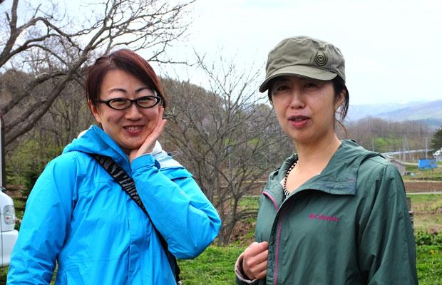 宮浦さんとこむろさん。ふたりは初対面だったが、すぐに打ち解け、おしゃべりしながらのツアーとなった。
