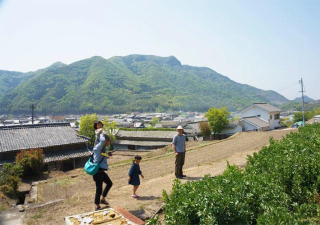 実は小豆島には、コロカルの移住連載の先輩でもある三村さんに会いに行きました。