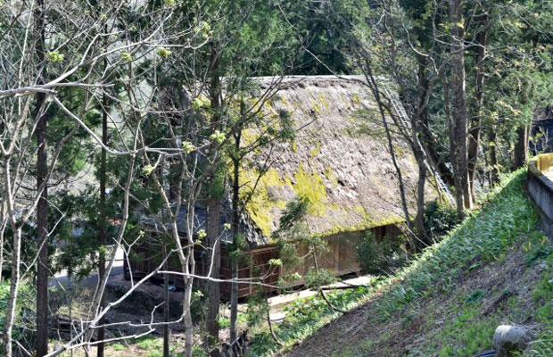 武蔵野美術大学の厚生施設、五箇山〈無名舎〉。