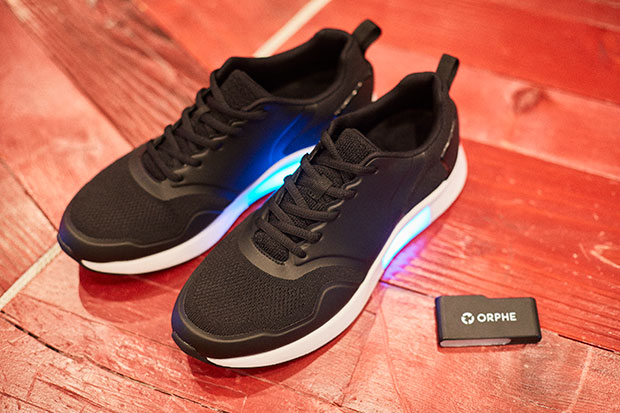 〈ORPHE TRACK〉のセンサーモジュールを、ほかの靴に展開できる。