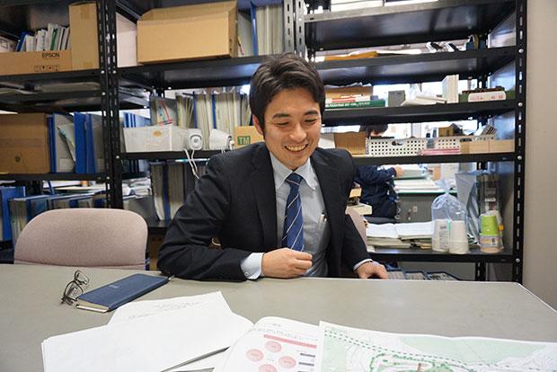 2018年3月までの3年間、経済産業省から長門市に出向し、経済観光部長を務めた木村隼斗(よしと)さん。まちづくりに奔走する、キーマンのひとり。