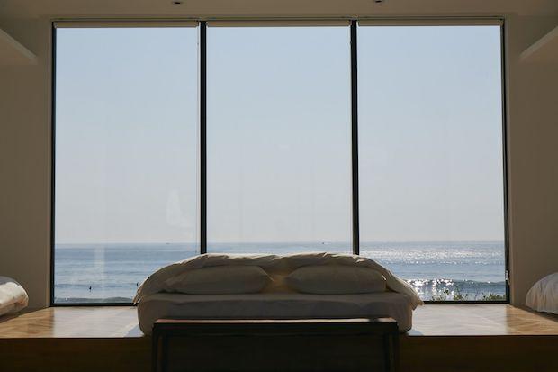 壁一面の窓に広がるパノラマビュー