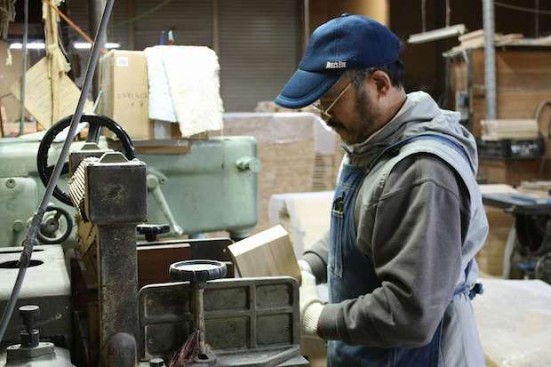 木という素材を知り尽くし時代に合ったものづくりを行なっている〈ダイワ産業〉さん。
