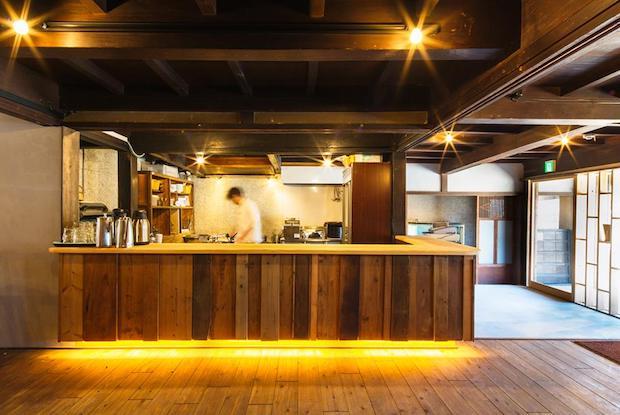 SEAFRONT DINING新豊の料理人が見せるライブ感のある調理場