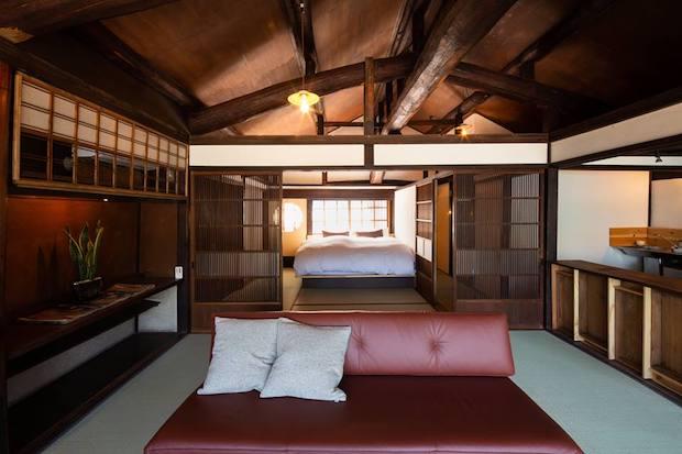 高級感のあふれる寝室。マットは最高クラスのものを導入し、寝心地にもこだわりました