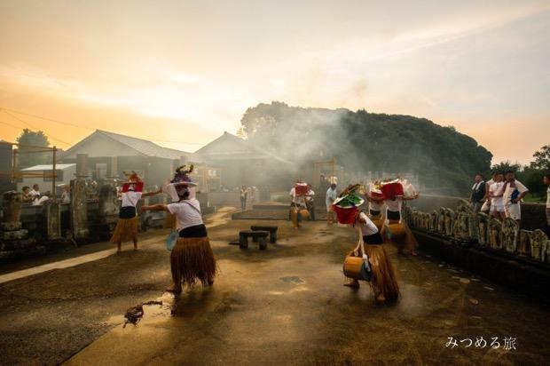 福江島に伝わる念仏踊り「チャンココ」。懐かしい太鼓や鉦(かね)の音が聞こえてきそうです。