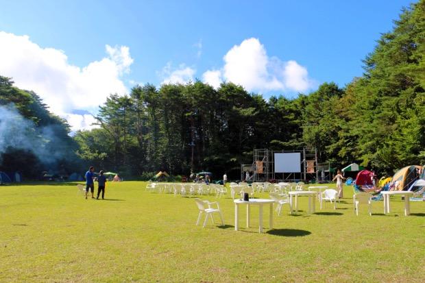 富士 湖畔の映画祭の会場の様子