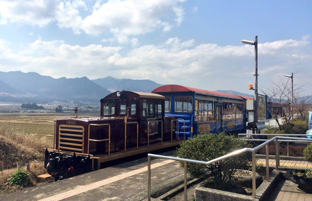 トロッコ列車は窓がなく風を感じながら乗ることができます。