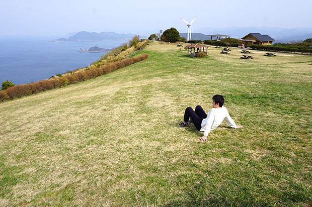 日本海を一望する長門市日置(へき)町の千畳敷。