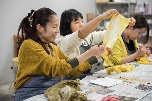 子どもから大人まで参加できるワークショップ「金沢みらい工芸部」
