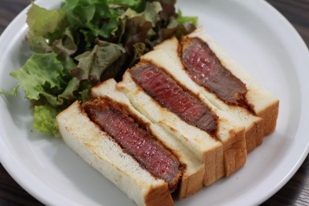 A4ランクオリーブ牛の特選ステーキかつサンド