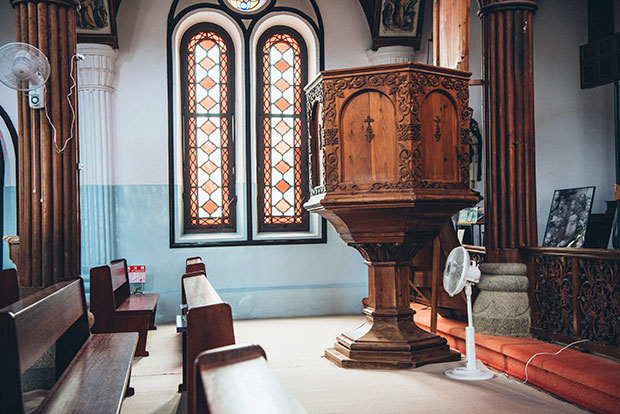 マルマン神父が設計した説教壇。